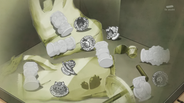 File:KKPCALM47-Grey Animal Sweets and Crystals in garbage bin.png