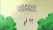Hayashi se reune con sus compañeros de clase