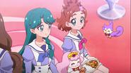 Haruka y minami comiendo