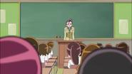 La maestra Tsurusaki termina la clase de hoy