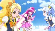 Honey, Lovely & Princess tratando de encontrar a Fortune