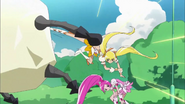 Blossom e Sunshine luchando juntas