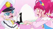 Hikaru ofrece un Onigiri a Toppa