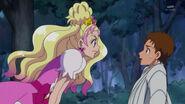 Flora hablandole a Yuuki