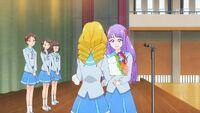 STPC41 Sakurako gives Madoka a bouquet of flowers