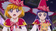 80. Mirai y Riko escapando del Yokubaru