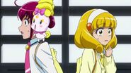 Miyuki, Candy & Yayoi dandose cuenta que se perdieron