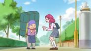 HuPC01.10-Hana ofrece ayudar a la anciana