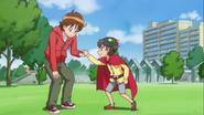 Seiji ayuda a Takuma