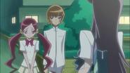 Tsubomi le dice a Yuri que saben lo de Cologne y quieren hacer que su Flor Corazón reviva
