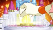 Twinkle inserta la llave en el palacio