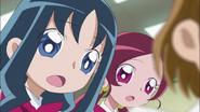 Tsubomi y Erika sorprendidas por la noticia