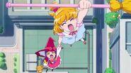 Mirai y Riko gritan las palabras magicas juntas