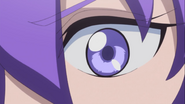 Los ojos de tender vuelven a su color lila