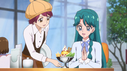 Minami obteniendo su parfait