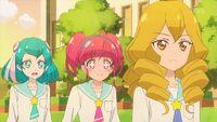STPC35 Hikaru looks at Sakurako excitedly