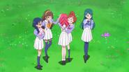 Las chicas se despiden de Towa