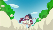 Erika arrastra a Tsubomi para llegar deprisa