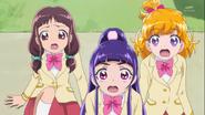 Las chicas se sorprenden al ver a Ha-chan