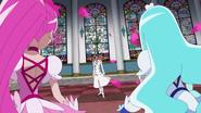 Kaoruko elije al hombre misterioso para luchar en vez de ella