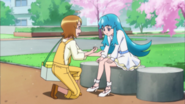 Yuko le ofrece un dulce a Hime