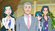 14. Los padres de Minami soniendo