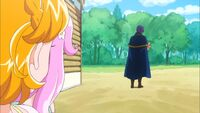 Mirai and Kotoha notice Lian with Mofurun
