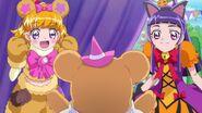 Mirai y Riko con sus disfraces
