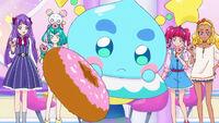 STPC21 Prunce offers Blue Cat a donut