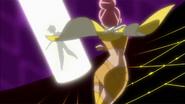 Sasorina tomando la Flor Corazón de Hideo