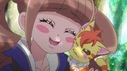 Hinata agradeciendole a Nyatoran su ayuda
