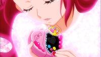 HuPC-Heart Kiratto-Yell-Hana pressing the heart