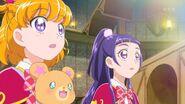 03. Riko y Mirai observando las Piedras Linkle