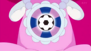 Ribbon sintiendo el poder de una pelota de soccer deportiva
