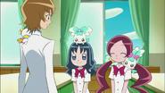 Tsubomi y Erika le cuentan a Itsuki que Hayashi cumplió su meta