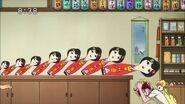 Miyuki golpeandose en la cabeza