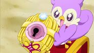 Aroma dandole el Perfume Princesa a Minami
