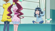 Tsubomi e Itsuki van a buscar a Erika