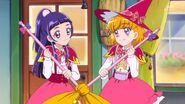 Riko y Mirai al final del episodio