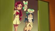 Tsubomi y Erika estan felices porque todo salió bien