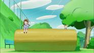 En el parque Potpourri encuentra a una niña llamada Haruka
