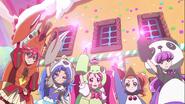 Las KiraKira apoyando la transformación de Ciel