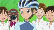 Todos reciben contentos a Hayashi