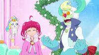 STPC44 Hikaru and Alien Santa are happy