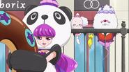 Cure Macaron panda