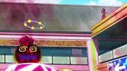 Shindoine obligando al Megabyougen a levantarse