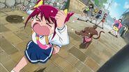 Miyuki huyendo de un perro