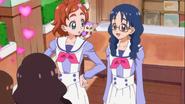 Yui asombrada con Pafu