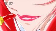 Ace pintandose los labios