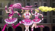 Peach y Melody huyendo